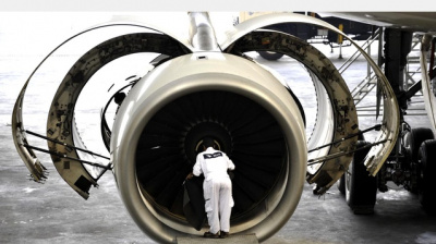 Dubai Aviation Training Institute signs on with KLM UK Engineering