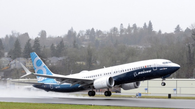 Boeing 737 MAX completes first flight