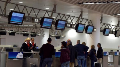 Bombed-Brussels departure hall reopens