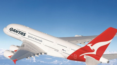 Qantas completes historic flight from Perth to London