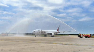 Emirates completes inaugural flight to London Stansted