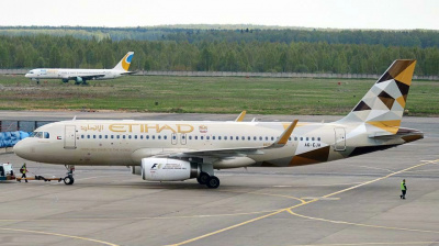 Etihad Airways lays off 'hundreds' of employees including crew