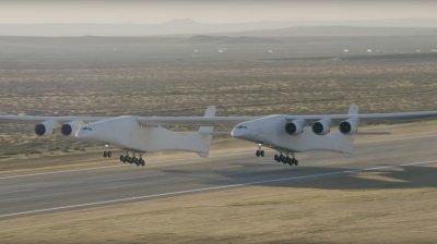 Video: World's largest aircraft Stratolaunch completes maiden flight