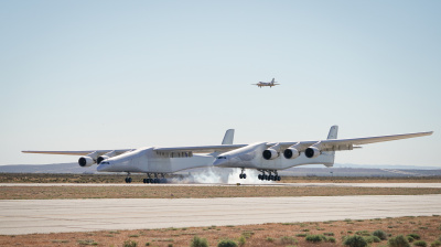 Stratolaunch: World's largest aircraft takes to the sky