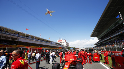 Emirates A380 does flyby at Spanish Grand Prix