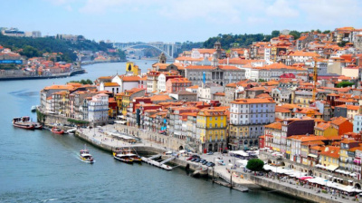 Emirates' Porto route sees strong summer traffic