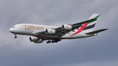 A380s struggle to land at UK airports amid hurricane-force winds