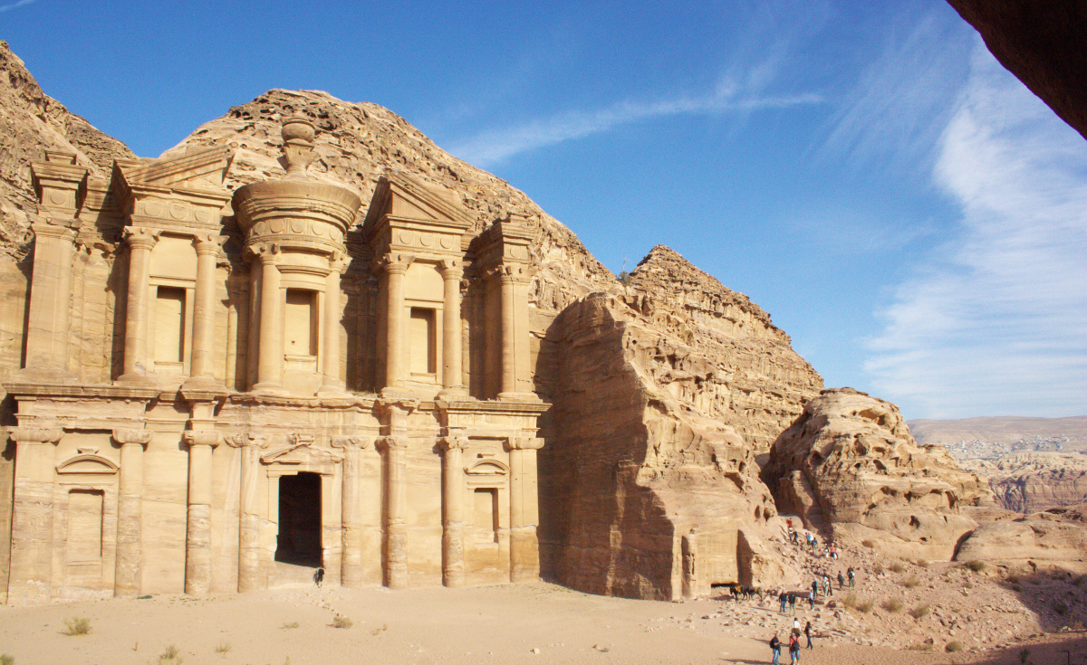 According to reports from local media, the death toll from the flash floods has risen to 12, and approximately 4,000 tourists have been evacuated from the area surrounding the ancient city of Petra.