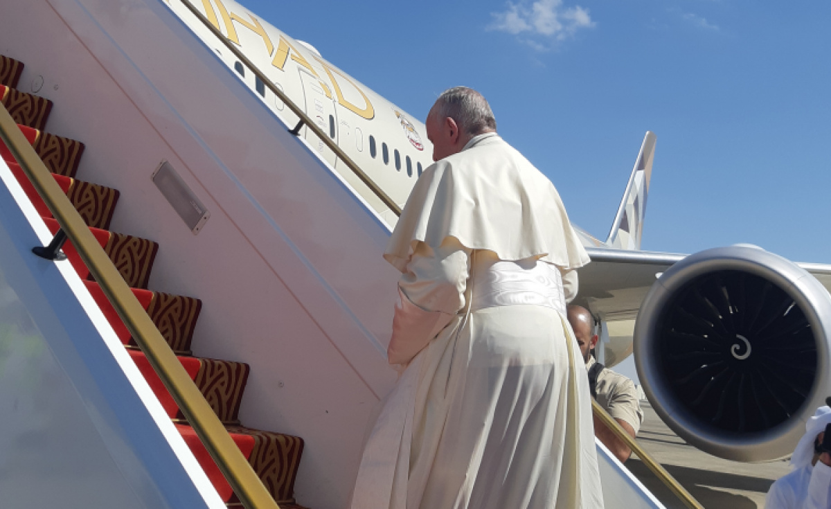 There were several design changes added to the aircraft including the addition of the Vatican's emblem on the aircraft's door, as well as the inclusion of specially designed insignia added to the headrests of seats.