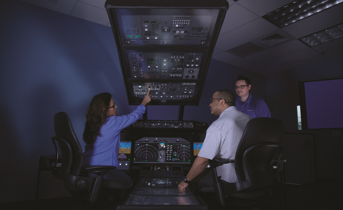 Boeing's report highlighted the need for 218,000 new personnel in the region over the next 20 years. This includes 60,000 pilots, 63,000 technicians, and 95,000 cabin crewmembers.