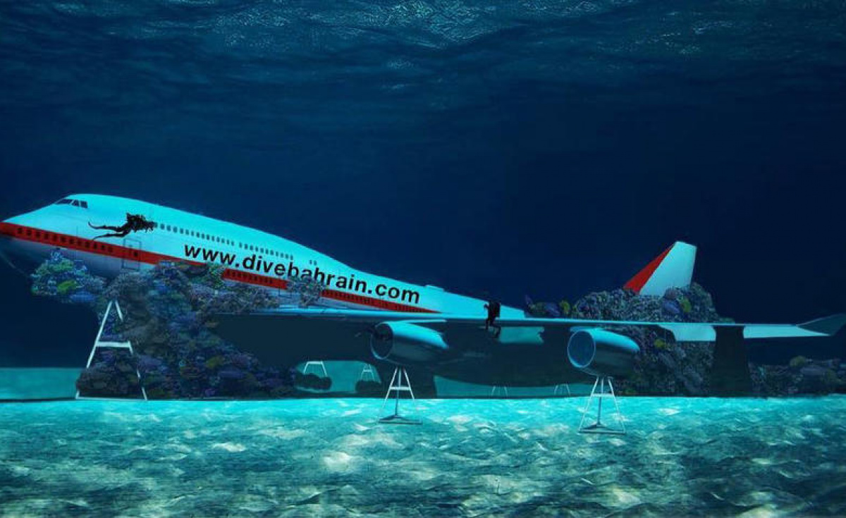 In addition to the 747, the attraction, which authorities claim will be the world's largest underwater theme park, will eventually cover a total area of 100,000 square metres.