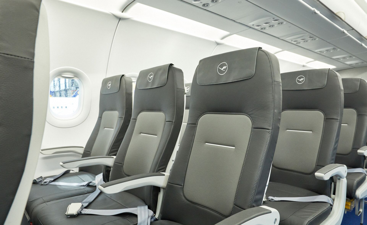 Developed by Italian manufacturer Geven, the new seat features slimmed backrest that allows for more personal space, along with a 20-degree inclination.