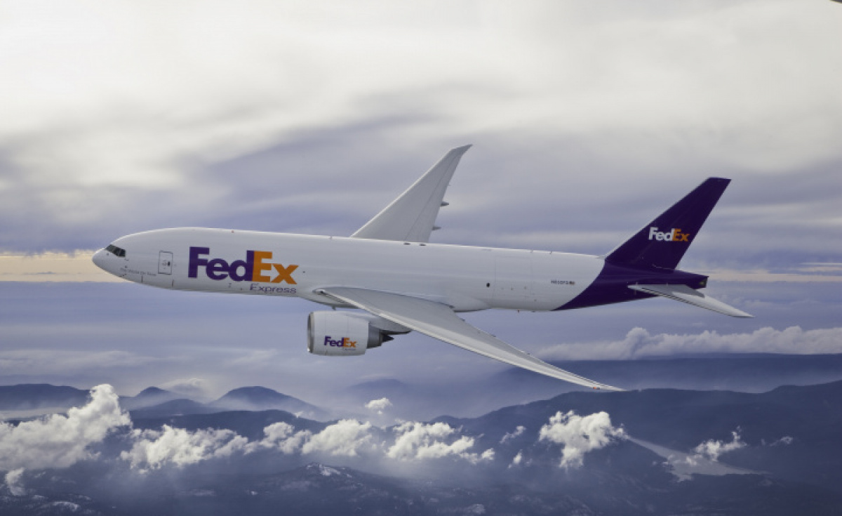 According to local media, the scheduled FedEx cargo flight made an emergency landing on Thursday night, disrupting several passenger flights at the airport.