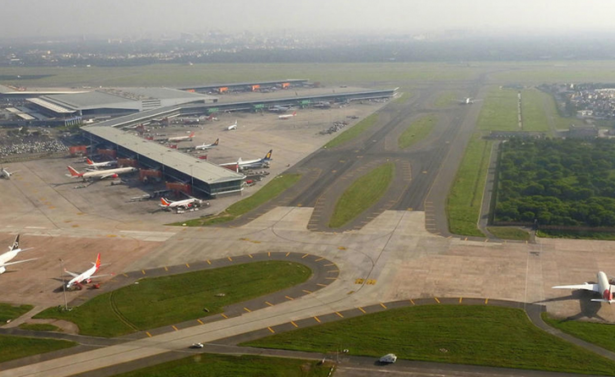 In addition to the fourth runway, Phase 3A expansion plans includes expansion of the airport's Terminal 1 apron area and development of dual elevated Eastern Cross Taxiway, DIAL said.